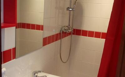 salle de douche privative - chaque chambre a sa propre salle de douche