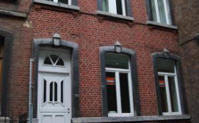 facade - rue calme encadre par des maisons familiales