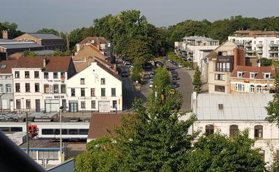 Vue de la terrasse - Coté Rue, Le train passe...